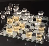 В алкогольные шашки играют в разных странах